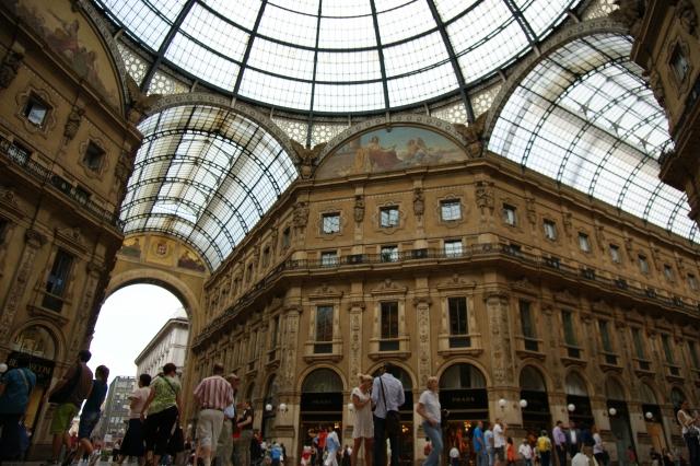 ミラノの雑誌|ミラノのファッション誌は写真家やモデルの憧れ!