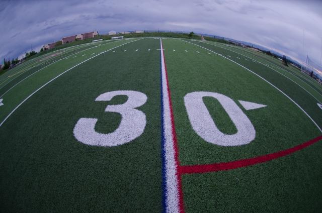 アメリカのカレッジフットボールは留学の最大の楽しみの1つです!
