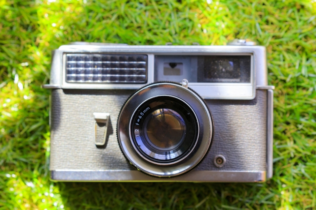 アナログカメラとデジタルカメラの違いって何だろうか|分からない?