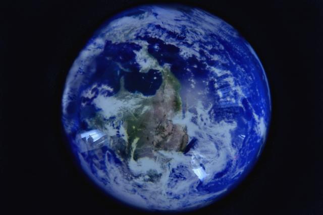 グレタ・エルンマン・トゥーンベリ|地球温暖化対策をなぜ大人は無視